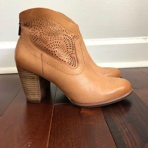 UGG Charlotte Seaweed Leather Boot Booties 8
